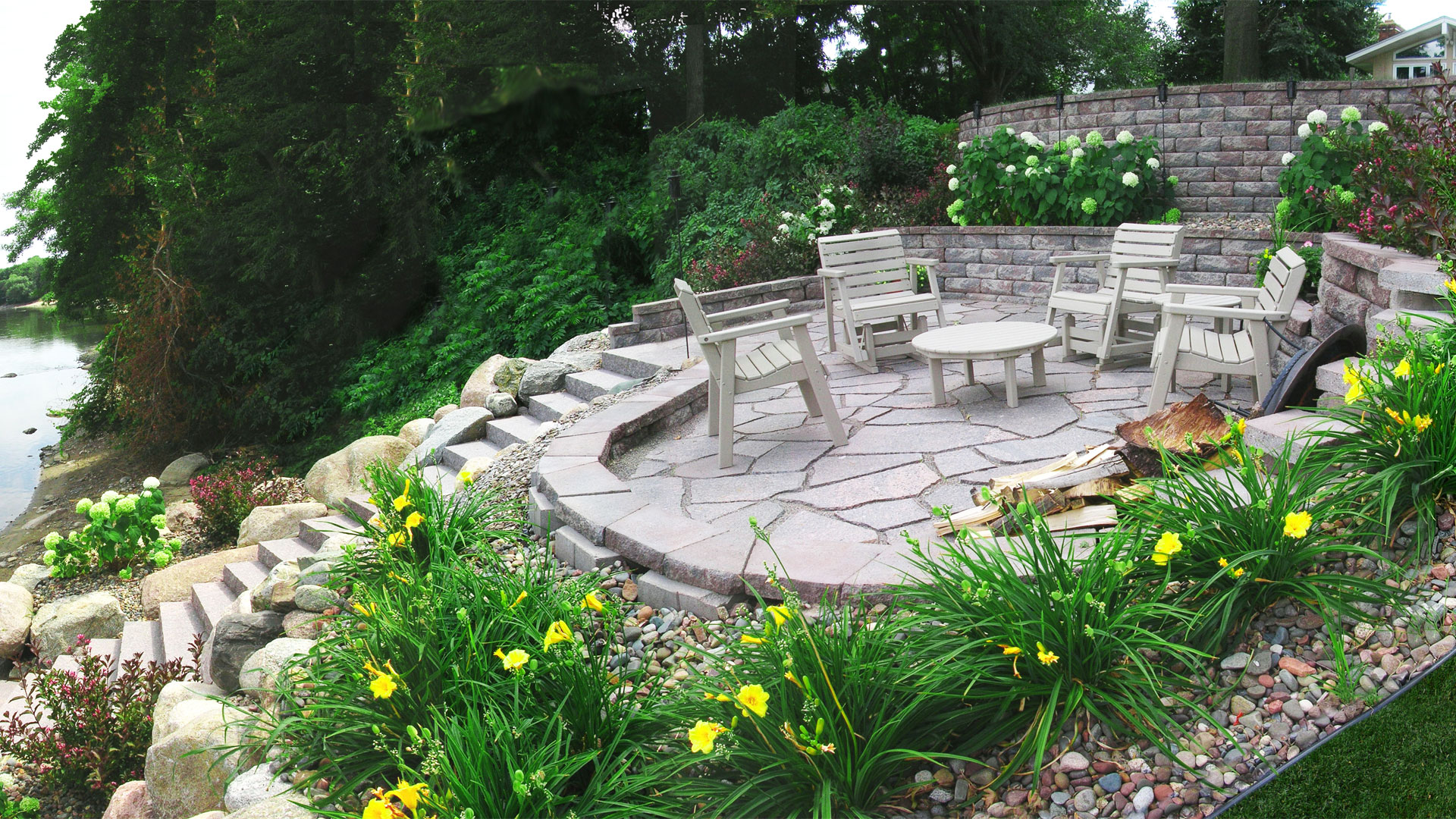 Landscaping Minneapolis MN - Retaining Walls Patios